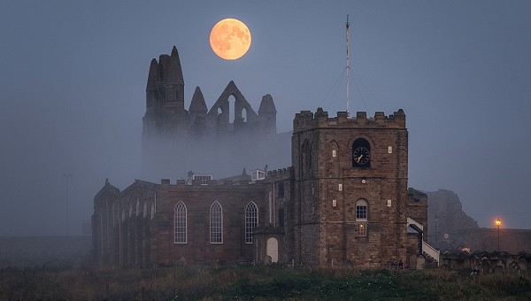 The Whitby Ghost and Dracula Walk
